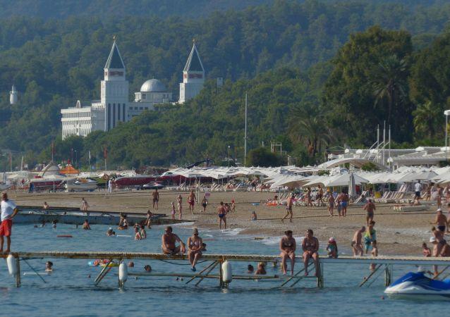 俄罗斯旅客在安塔利亚
