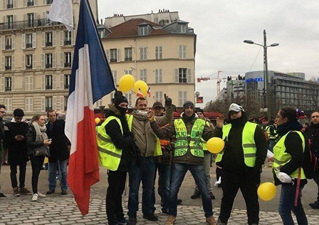 法国为抗议活动动员