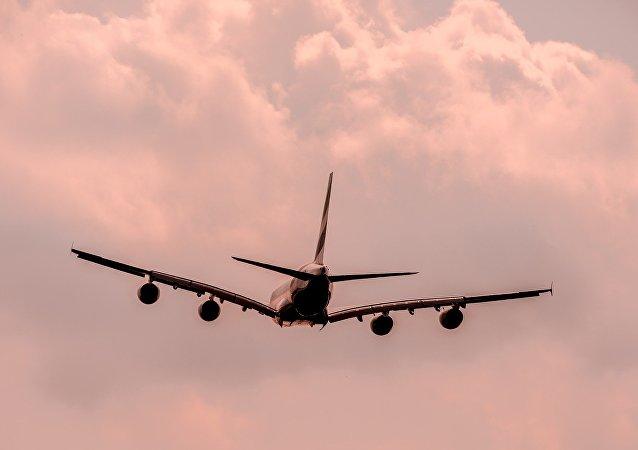 俄空桥货运航空一架波音货机因引擎故障迫降