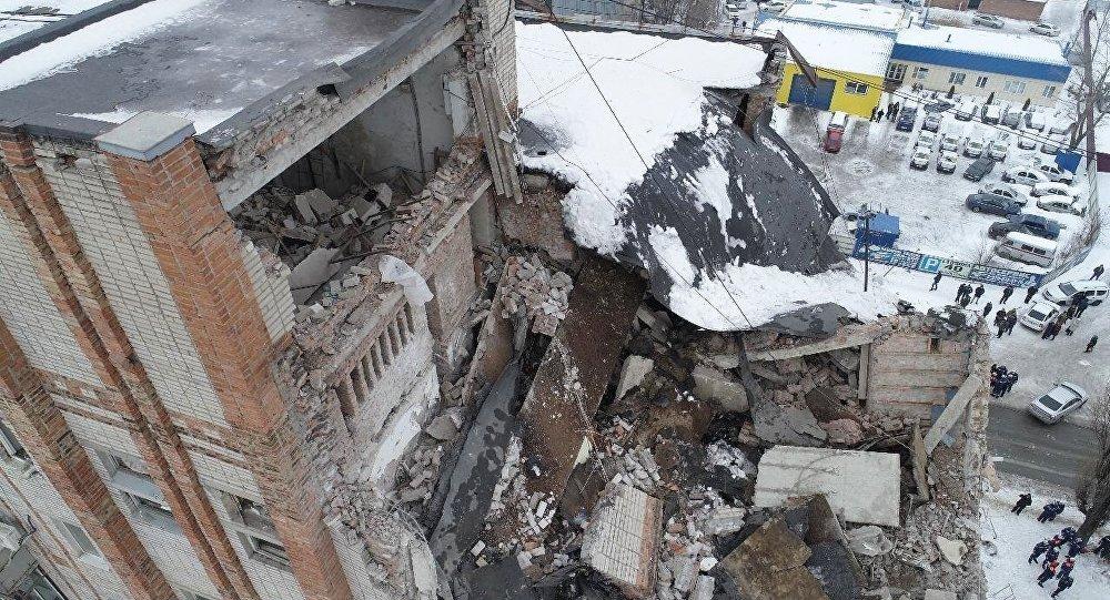 俄紧急情况部:救援人员发现沙赫特楼房垮塌事故第五具遗体