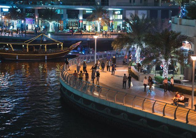 迪拜允许游客在商店购买酒精饮品