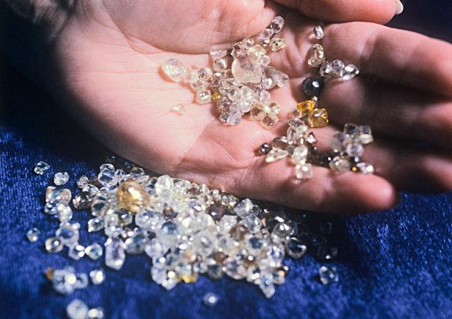 委内瑞拉与巴勒斯坦签订钻石生产协议