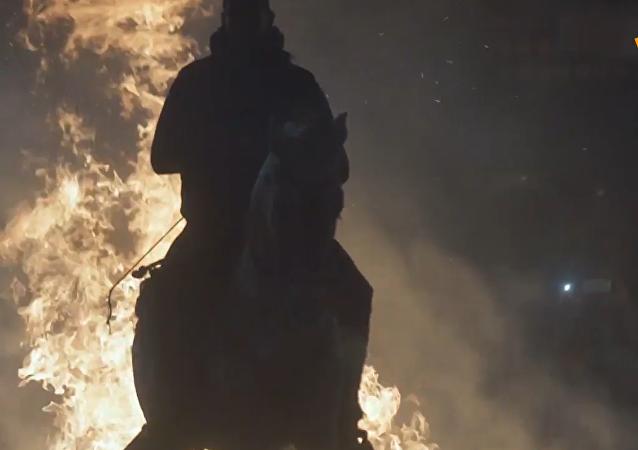 骑马跳火:西班牙圣安东尼节