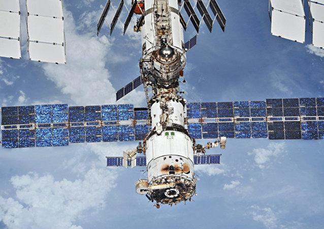 俄飞行控制中心将帮助国际空间站宇航员确认漏气位置是否确已找到