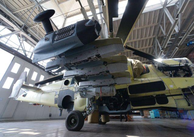 """俄副防长:俄空天军至2022年将再获得30架卡-52""""短吻鳄""""战斗直升机"""