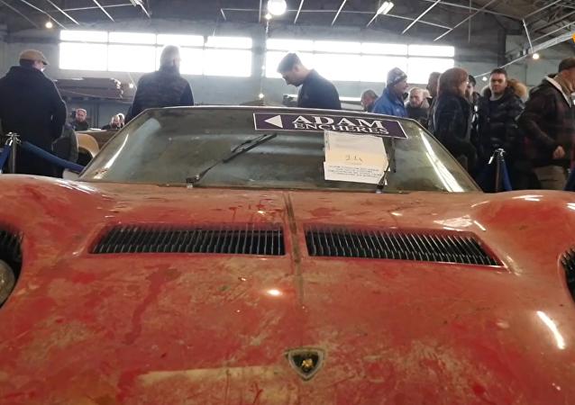 81辆经典老车在法国塔布斯拍卖