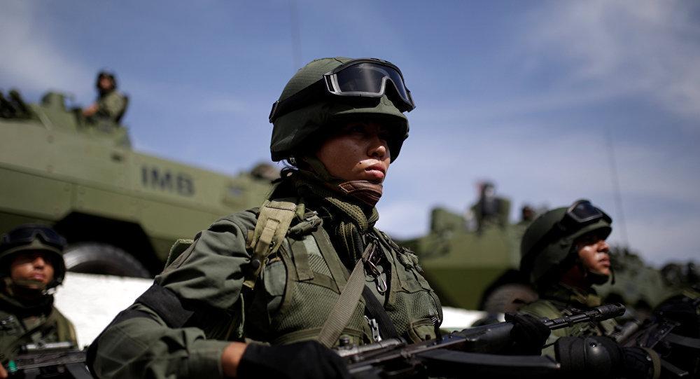 马杜罗:委内瑞拉将于7月24日举行军事演习