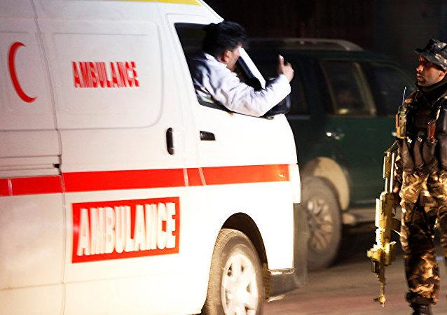 北约驻阿富汗空军基地附近爆炸事件伤者增至73人 塔利班宣称负责