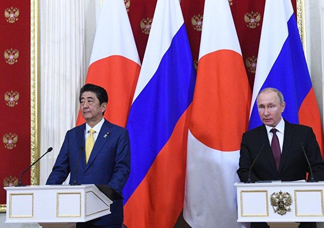 克宫:普京与安倍将在东方经济论坛期间讨论双边合作与和平条约
