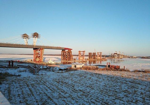 阿穆尔河(黑龙江)公路大桥建设
