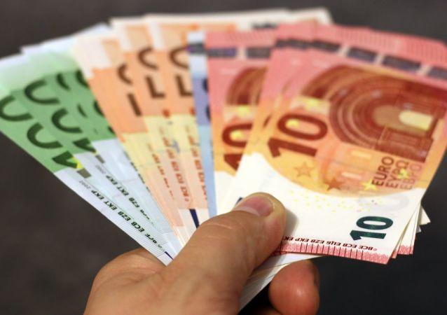 意大利超百名黑手党徒领取发给穷人和失业者的救济