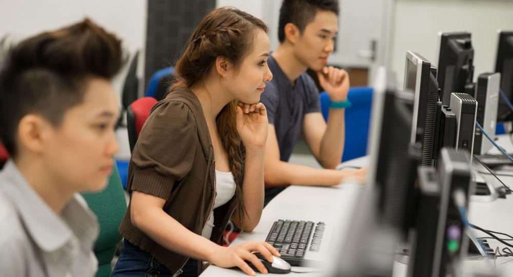 电脑室,大学生