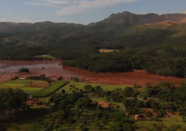 巴西南部大坝决堤已造成50人死亡