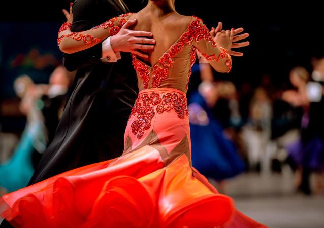 近百名中国舞者将参加在俄罗斯举行的拉丁舞集训