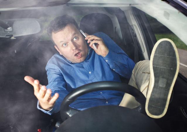 俄智能交通识别系统通过测试 可追踪开车打电话