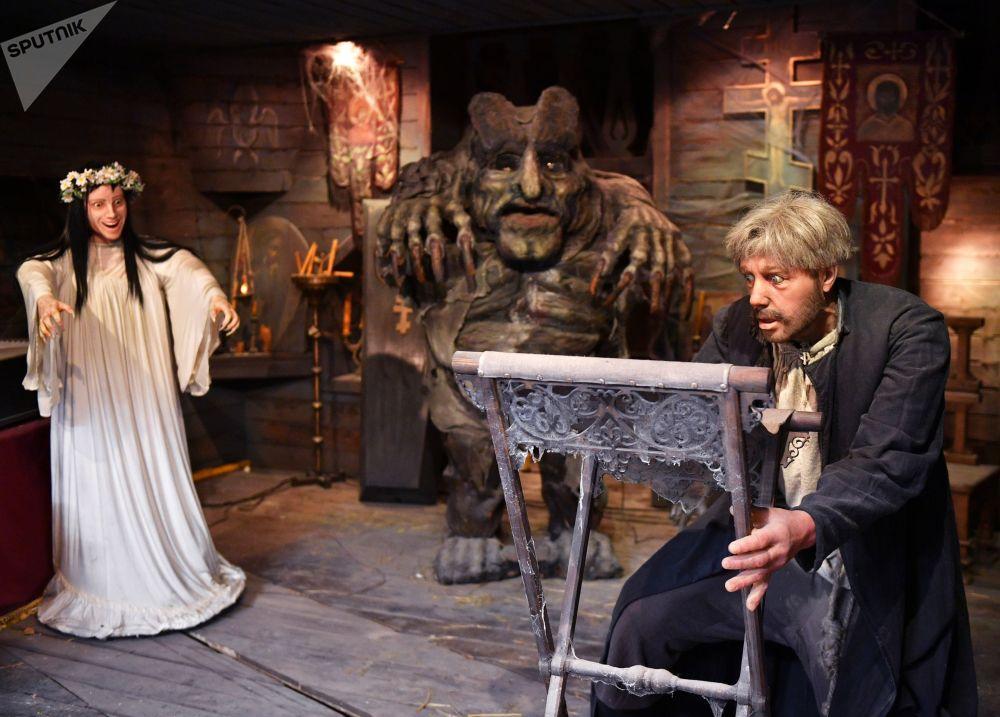 影片《魔鬼的精神》在莫斯科电影制片厂博物馆里的活动展示