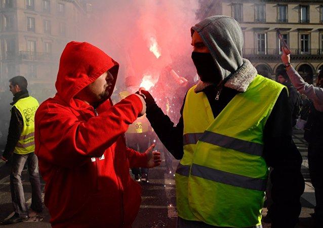 法国大规模罢工(资料图片)