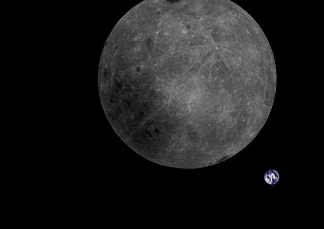 俄罗斯将为选择宇航员登月着陆点绘制月球地形图