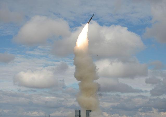 S-300 防空导弹发射