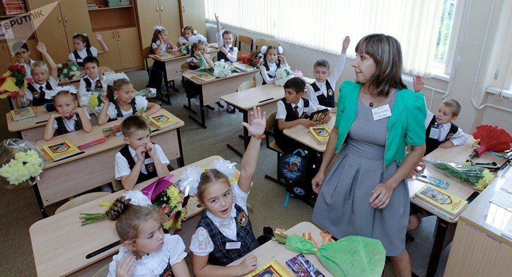俄伊尔库茨克14所学校收到施放毒气的威胁信函