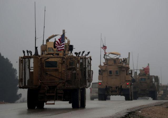 美国军用车队在叙利亚