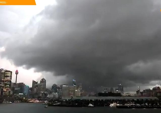 悉尼强风暴致4万户家庭断电
