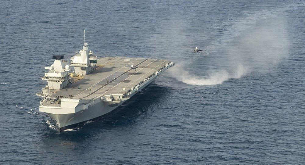 Авианосец Великобритании HMS Queen Elizabeth