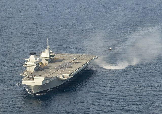 英国最新型航母因进水损坏