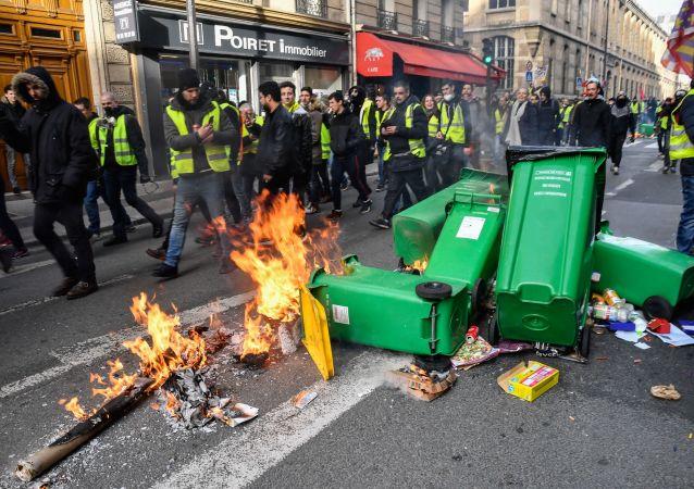 法国议会终审通过打击流氓行为法