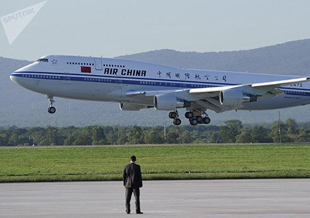 Китайский пассажирский самолет