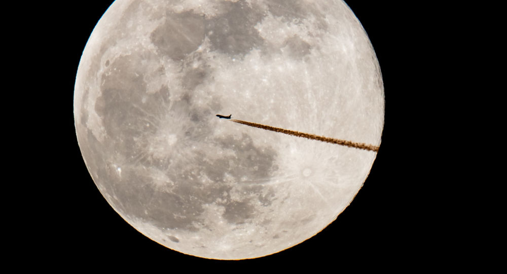 月球轨道站宇航员或将身裹聚乙烯防护垫应对太阳耀斑爆发