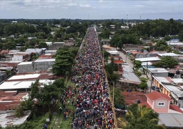 危地马拉国防部长谈与美国的军事合作