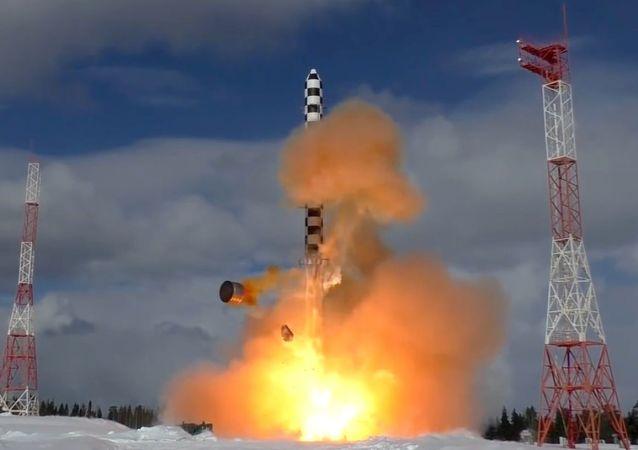 """俄国防部计划在2019年至2021年间发射2枚""""萨尔马特""""洲际弹道导弹"""