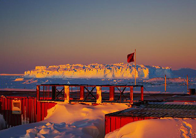 Chinese Antarctic Center of Surveying and Mapping