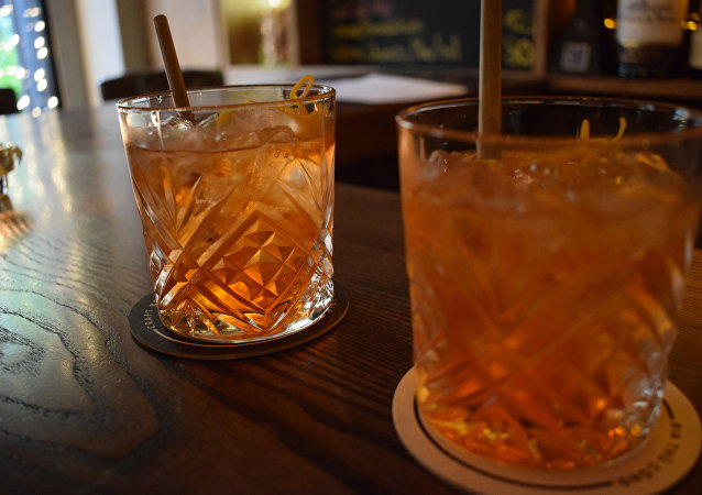 科学家发现幸福激素能治疗酗酒