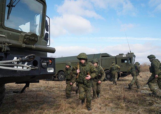 俄远东展开有1.2万名军人参加的大规模演习