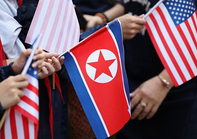 """蓬佩奥希望与朝鲜举行""""创造性的""""谈判"""
