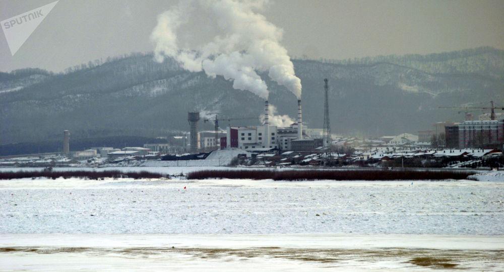 Поселок Фуюань на стороне КНР на российско-китайской границе