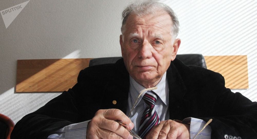 诺贝尔奖获得者若列斯·阿尔费罗夫