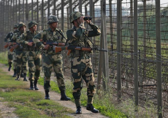 印度军方:五名军人在与恐怖分子交战中阵亡