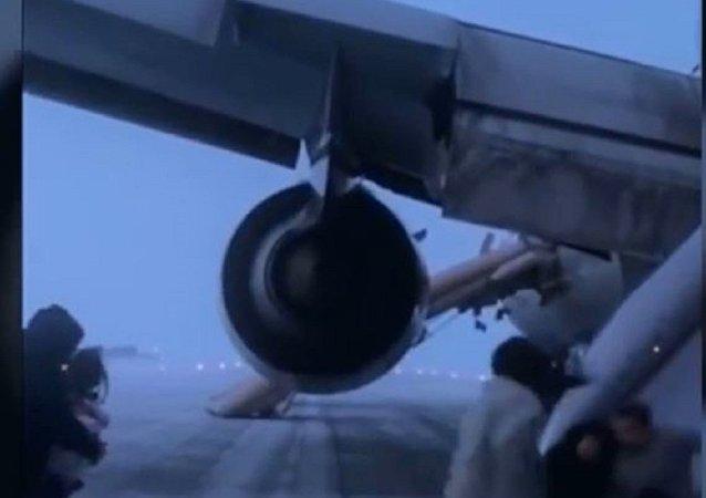 白雪皑皑的俄罗斯:在阿纳德尔紧急降落后一中国国航乘客拍到的视频