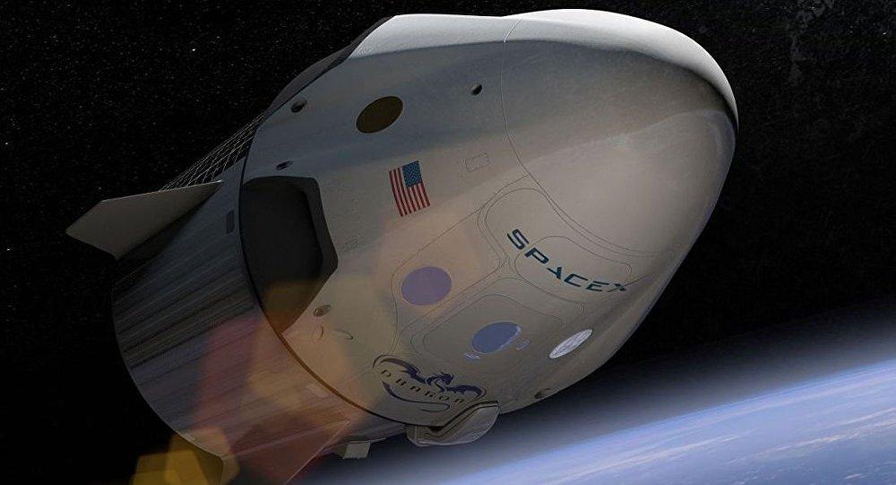 """美国太空探索技术公司的""""龙-2""""飞船"""