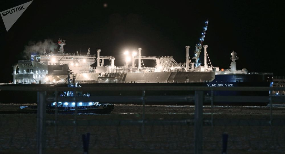专家:建立北极破冰油轮船队获得俄中高层支持