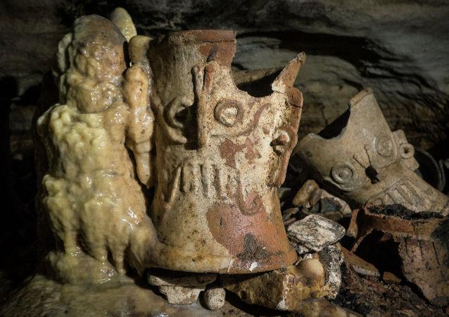 考古学家发现最大玛雅雕像作坊