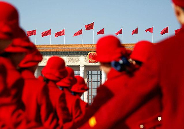 """中国十三届人大会议发言人:中国不存在""""隐性军费""""问题"""