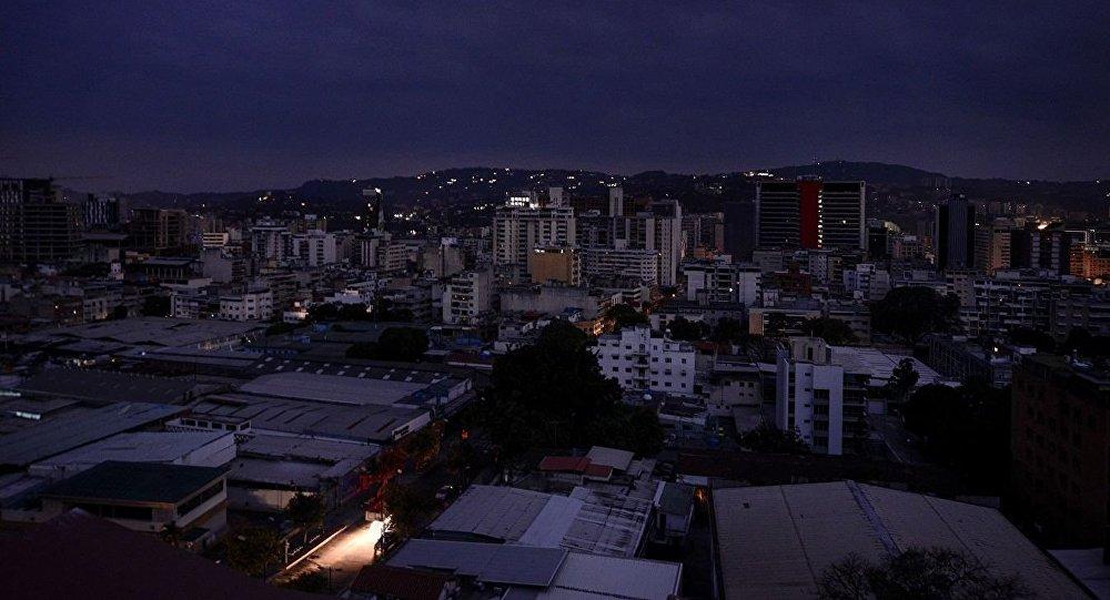 加拉加斯数个区再次发生断电