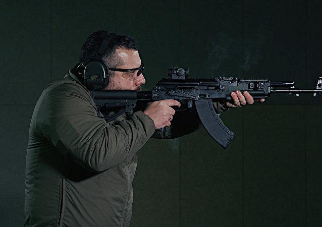 AK-203自动步枪