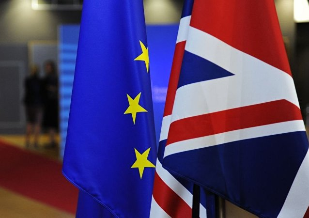 英国首相与欧盟委员会主席就脱欧协议修改达成一致
