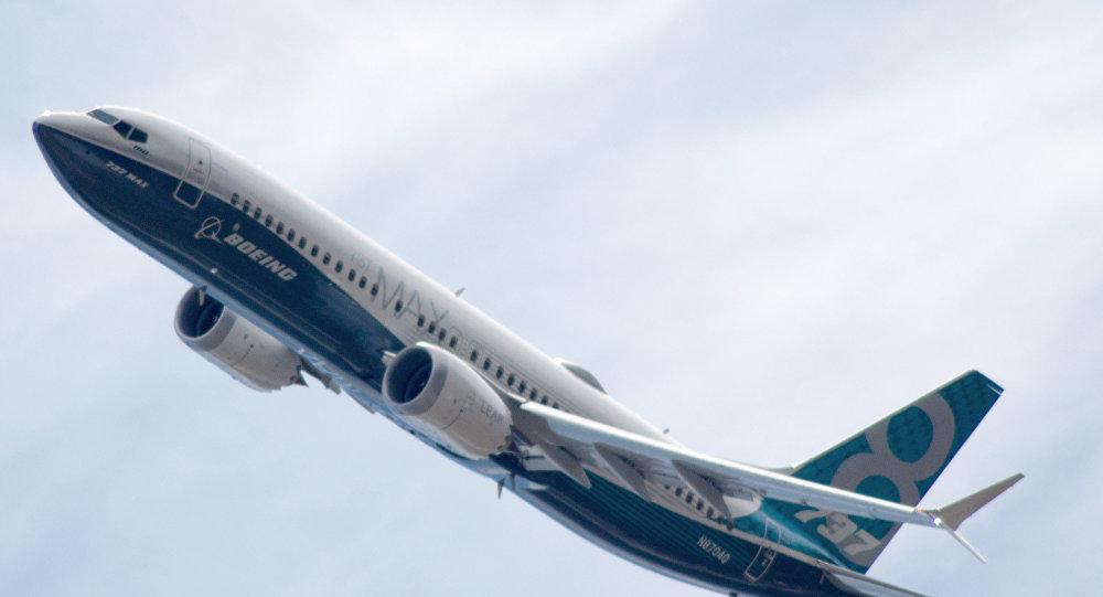波音737 MAX 8