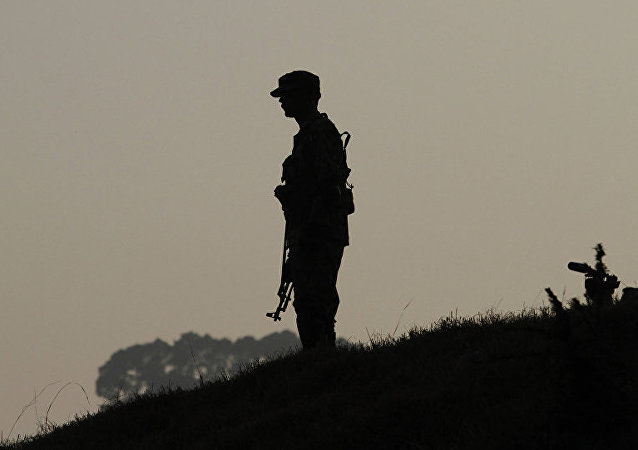 Пакистанский военный на границе Пакистана и Индии
